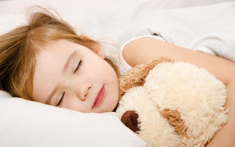 درمان بیماری کودکان با عسل