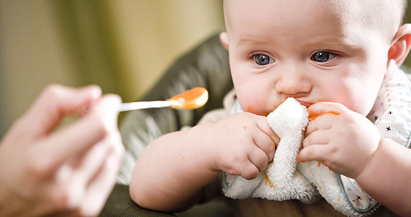 تغذیه کودکان با عسل