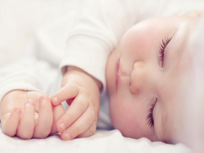 توصیههای طب سنتی برای دوران بارداری و شیردهی ، خواب راحت نوزاد