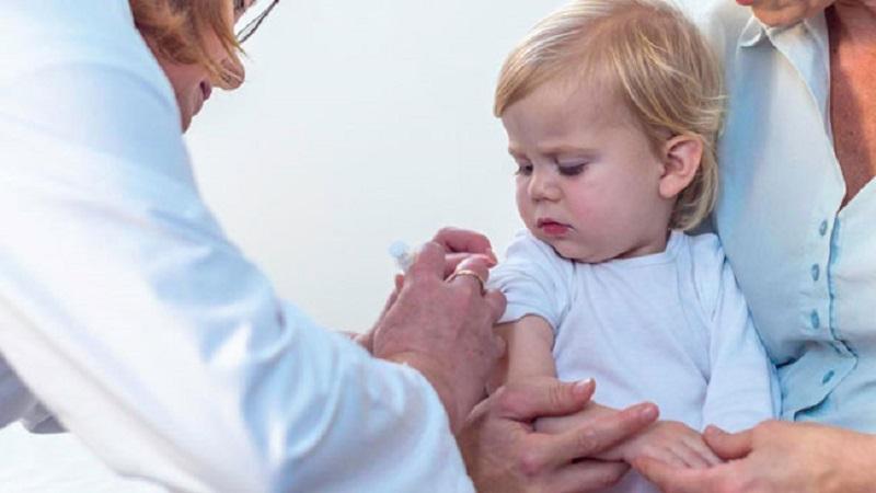 راه های کاهش درد بعد از تزریق واکسن