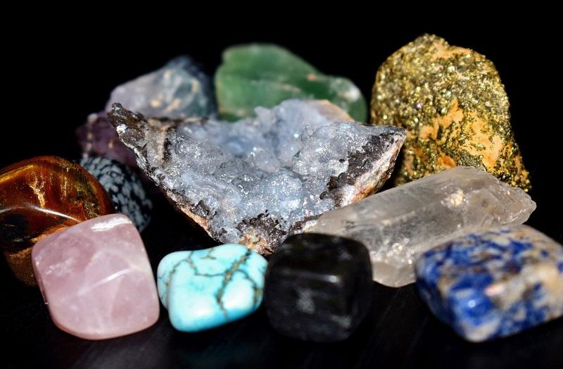 ماده معدنی