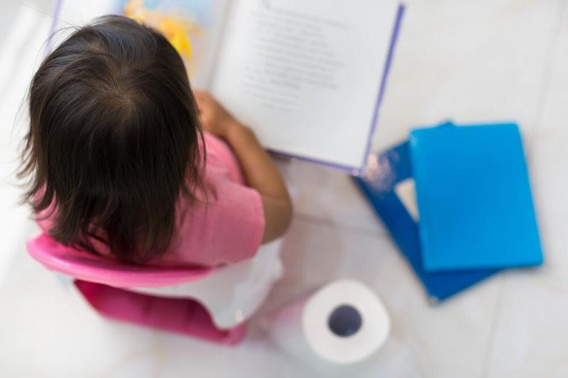 مشکلات توالت رفتن کودک و شب ادراری