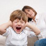 نادیده گرفتن رفتارهای آزار دهنده کودک