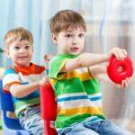 تقلید کودکان از همسالان