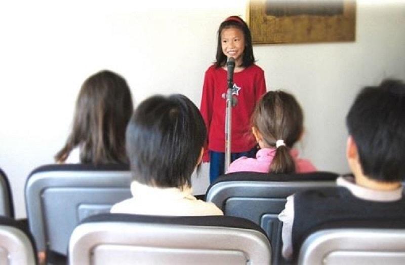 ترس کودکان از صحبت کردن در جمع
