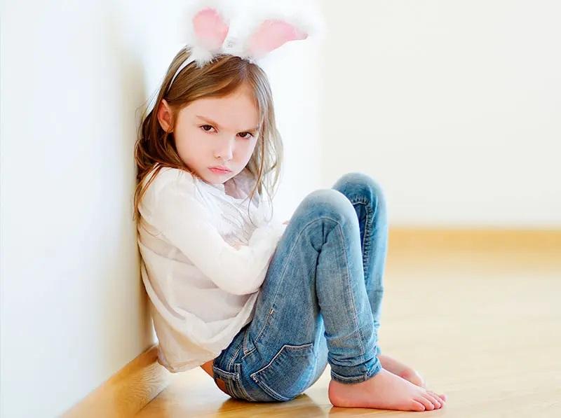 راههای درست نشان دادن احساسات را به کودک بیاموزید.