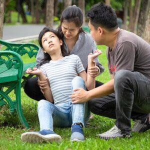 انقباضهای ماهیچه ای و تیک در کودکان