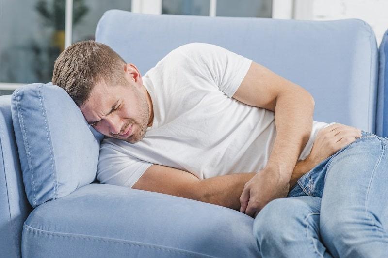 شکم درد یکی از  عوارض هیپرکلسمی