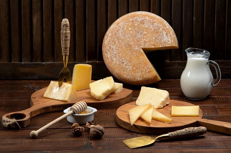پنیر و شیر و سایر منابع کلسیم