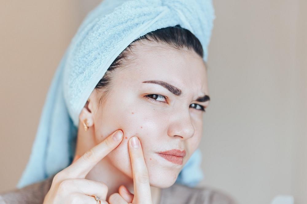 درمان بیماری های پوستی با بره موم