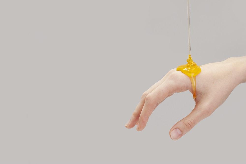درمان زخم های چرکین با عسل