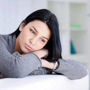 درمان سندروم پیش از قاعدگی با ژل رویال