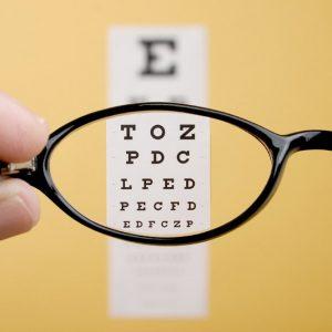 تقویت بینایی با ژل رویال