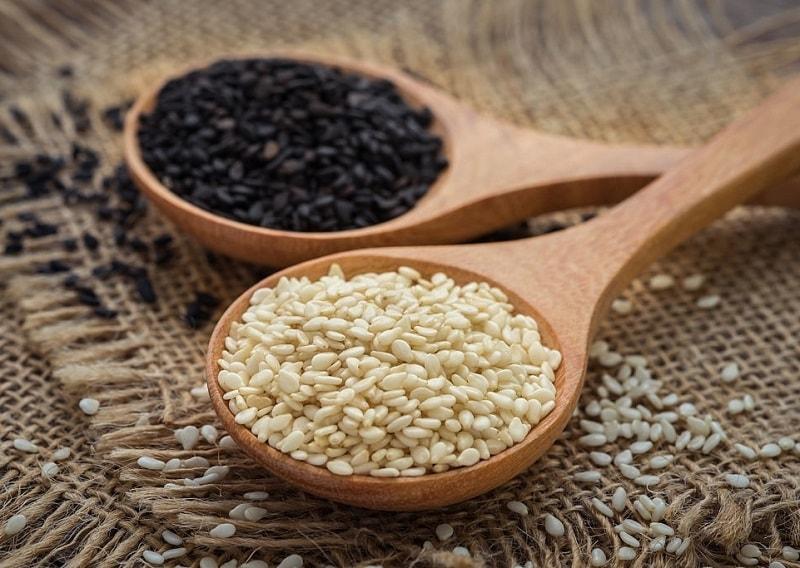 دانه کنجد یکی از مغذی ترین دانه های روغنی است