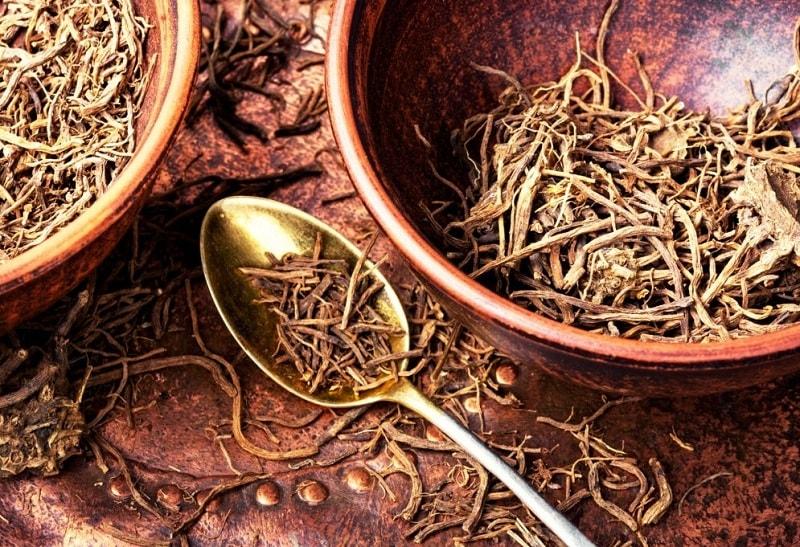 اسید والرينيک موجود در ریشه سنبل الطیب