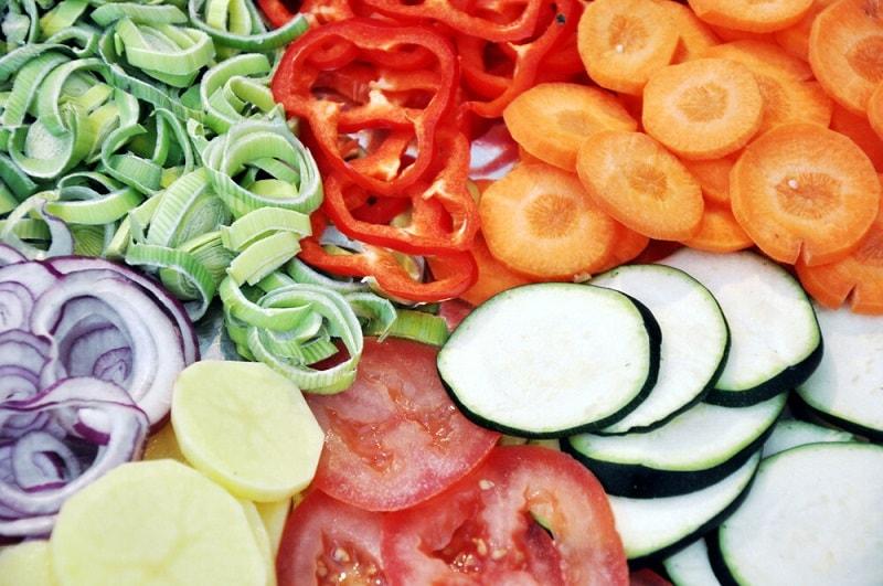 درمان بیماری با خام گیاه خواری