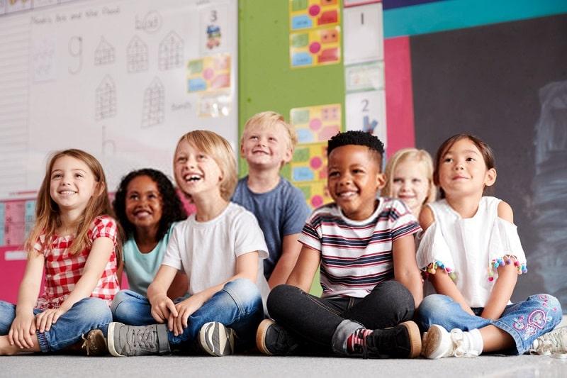 نظم و ترتیب و مهارتهای مطالعه را به فرزندتان بیاموزید.