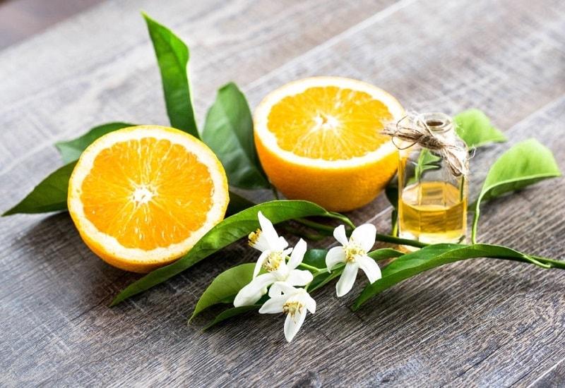اسانس نرولی (Essence de Neroli) - حاصل از تقطیر بهار نارنج