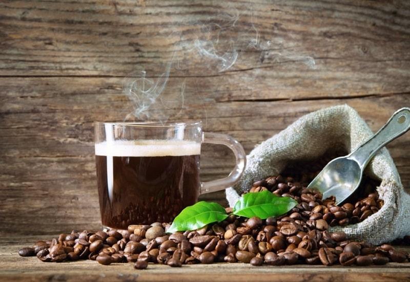 میزان کافئین موجود در برگ و دانه قهوه
