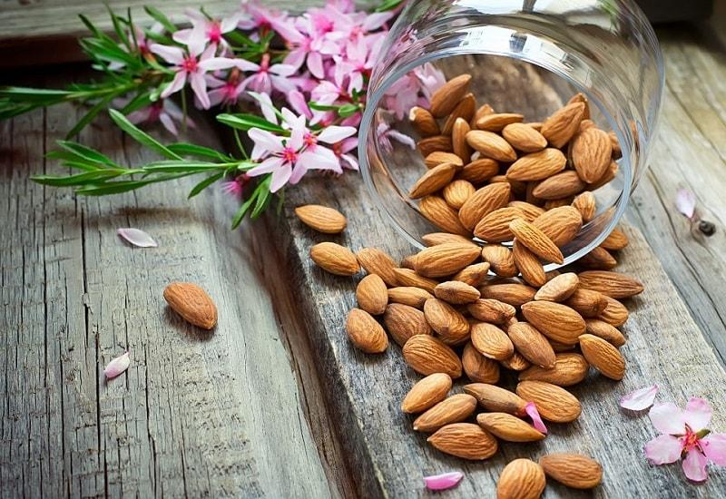 نسخه های درمانی با بادام شیرین